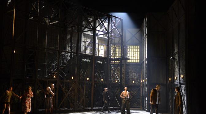 """Opéra du Rhin in Straßburg und die Staatsoper in Nürnberg geben eine Oper nach """"Quai Ouest"""" vom Kultdramatiker  Bernard-Marie Koltès in Auftrag. Am 28. September war die Uraufführung in Straßburg"""