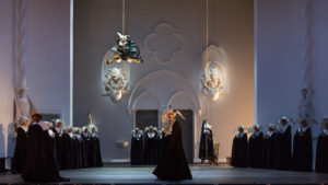 Das Kloster im 3. Akt © Lorraine Wauters