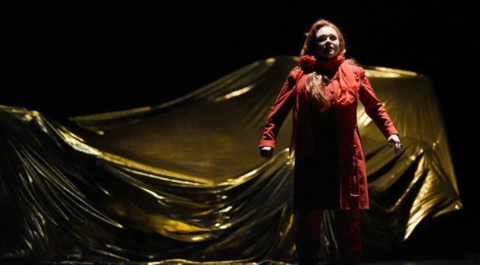 """So wird ausgegrenzt! Aribert Reimanns Oper """"Medea"""" führt vor, wie einer Frau alles genommen wird und wie sie sich rächt!"""