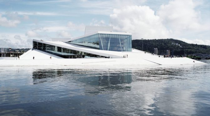 Grosse Oper – Viel Theater! Bühnenbauten im europäischen Vergleich