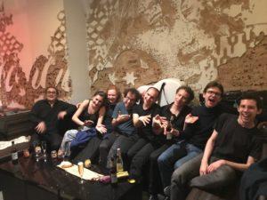Brise Pauset, ganz links, und sein Ensemble nach dem Konzert. Foto: Sabine Weber