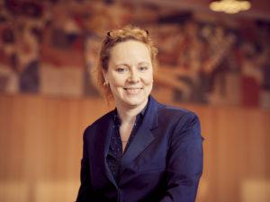 Eine glückliche Intendantin der Dresdner Philharmonie: Frauke Roth. Foto: Markenfoto