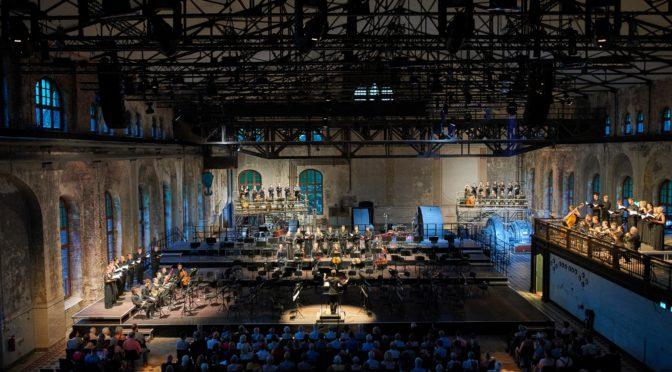 RT19: Superlative der Mehrstimmigkeit! Chorwerk Ruhr mit Berios Coro und Striggios Missa sopra Ecco sì beato giorno in der Maschinenhalle Zweckel in Gladbeck