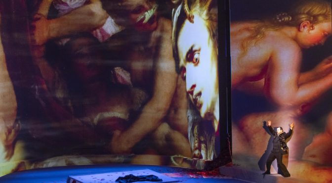 Die Klammer ist Verzweiflung! Nach der fulminanten Fidelio-Inszenierung im Januar kombiniert das Theater Bonn jetzt eine neukomponierte Briefszene von Manfred Trojahn mit Beethovens Oratorium Christus am Ölberge