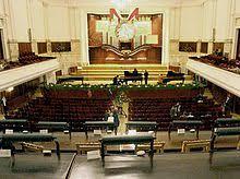 Die Nationalphilharmonie Warschau bleibt leer