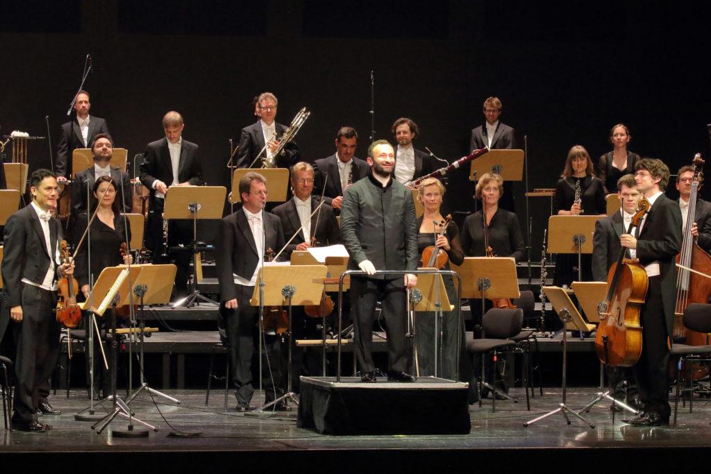 Das Bayerische Staatsorchester beschließt im Nationaltheater unter GMD Kirill Petrenko die Saison. Jonas Kaufmann singt Mahlers Lieder eines fahrenden Gesellen.. Foto: Wilfried Hösl