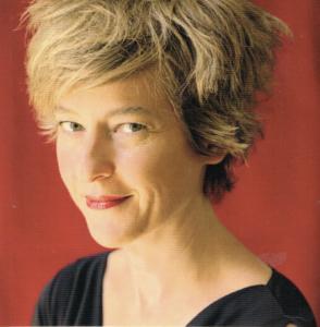 Hélène Courvert ist die Pianistin an der Seite von Juliette Huriel. Und maßgeblich an der Auswahl des Repertoires der neuen CD Compositrice beteiligt. Es werden nur Stücke im Original gespielt. Und Flöte und Klavier müssen gleichberechtigt sein