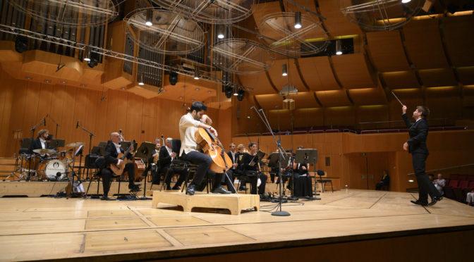 Von Wien zur Wiesn: Kian Soltani und die Münchner Philharmoniker unter Krzystof Urbański spielen als Trostpflaster für das abgesagte Oktoberfest, das am Wochenende begonnen hätte, Friedrich Guldas freches Cellokonzert mit Begleitung einer Blaskapelle und Beethovens Erste
