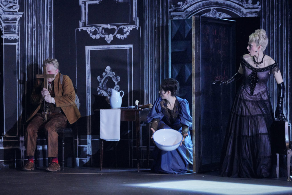 Dame Kobold von Joachim Raff in Regensburg! Klaus Kalchschmid hat die Aufführung in der Regie von Brigitte Fassbaender besucht und eine entzückende Komische Oper kennen gelernt. Eine Repertoire-Entdeckung