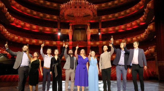 """Stars und junge Stimmen in den Lockdown-Montagsstücken in München! Klassikfavori fasst die letzten drei zusammen. Bevor es diesen Montag mit """"La Bohème"""" weiter geht!"""