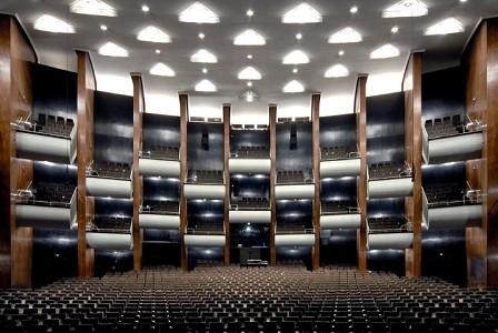 Favori aktuell! Opernhäuser in München und Köln machen diese Woche zum Premierenwahn – für alle!