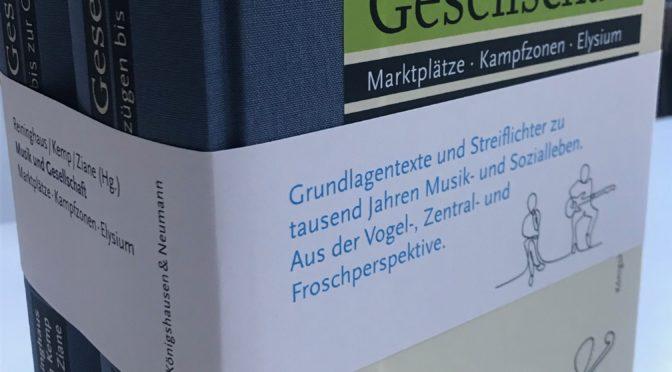 """Schlaglichter auf Musik und ihre Zeitumstände! Essays von 107 Autor*innen füllen über 1000 Seiten in zwei gewichtigen Bänden unter dem Titel """"Musik und Gesellschaft"""""""
