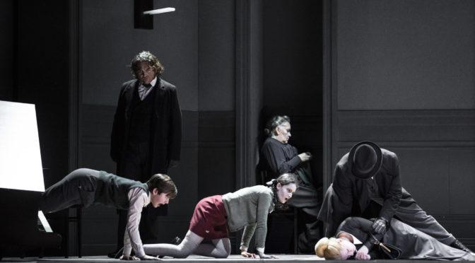 """Im Labyrinth des Bösen. Brittens """"The Turn of the Screw"""" aus Brüssel"""