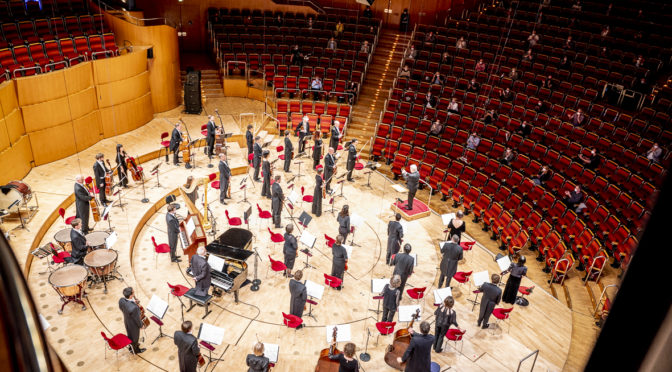 """Eötvos dirigiert erstmals das Gürzenich-Orchester. Isabelle Faust ist die Solistin in seinem Violinkonzert """"Alhambra"""""""